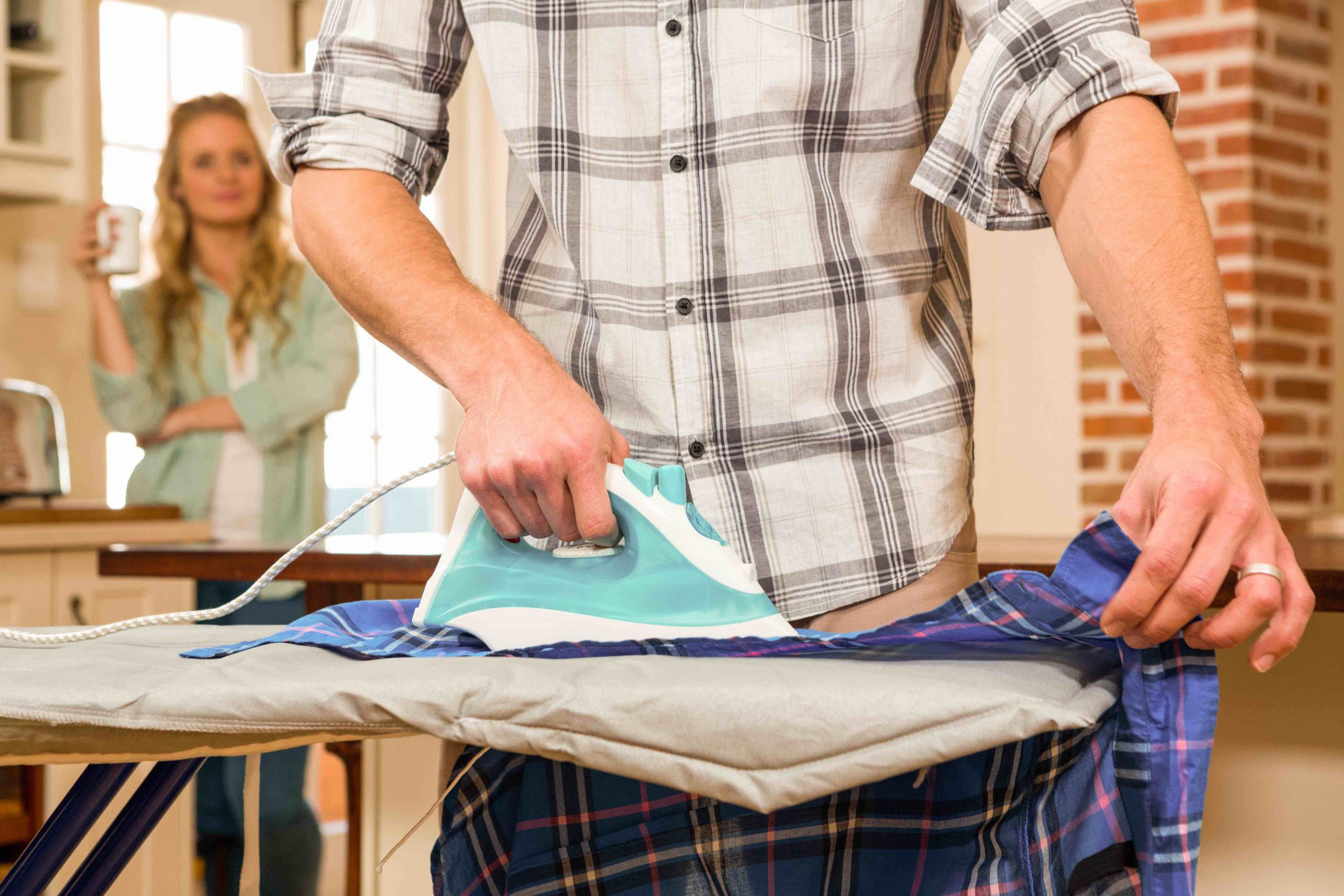 How To Compromise With A Roommate Regarding Chores