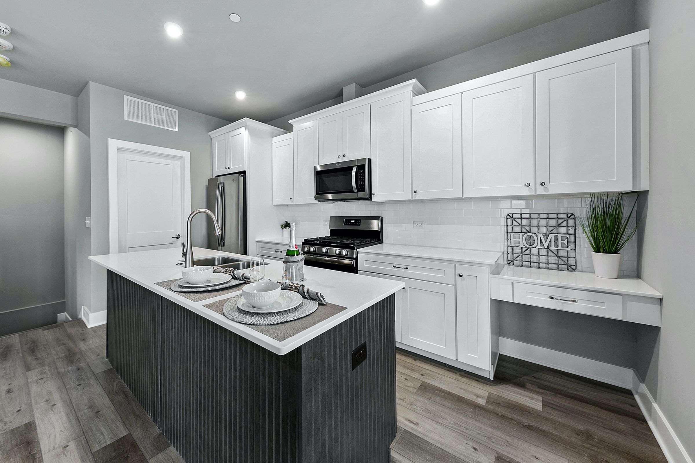 Town Square Townhome Apartment Kitchen